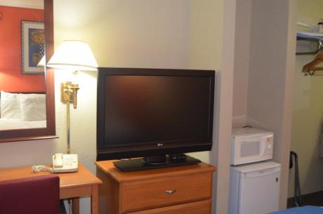 Travel Inn Kingsport - Flat Screen TV