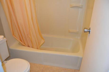 Travel Inn Kingsport - Bathroom